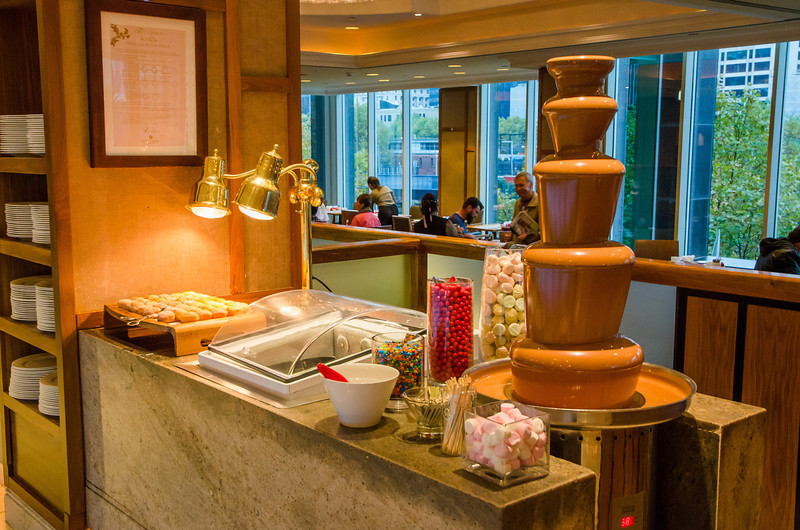 Stop the press!!!! Is that a chocolate fountain I see...?!!!
