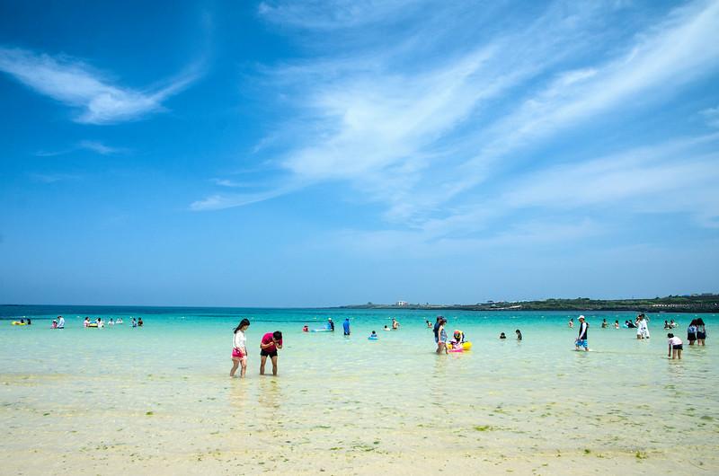Seobin Baeksa beach - massively popular, and it was pretty obvious why!