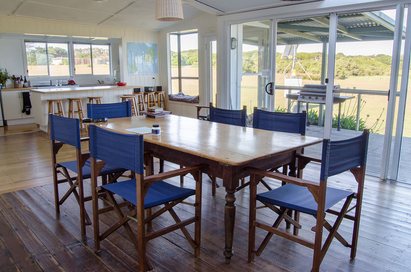 Three Hummock Island - Dining room in the Homestead